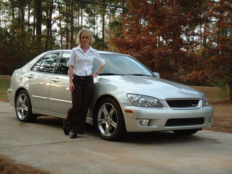 2002 Lexus IS300 - Import Tuner Magazine